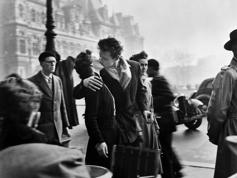 "Foto ""Bacio davanti all'hotel De Ville"" - Robert Doisneau"